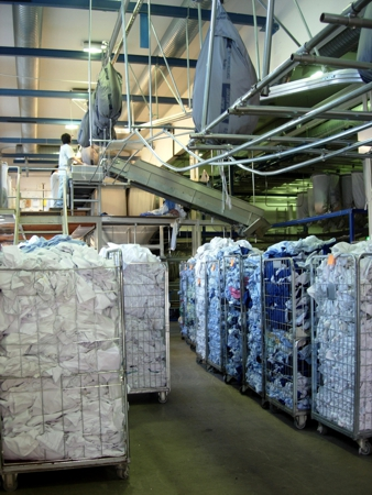 Sorting goods in a commercial laundry